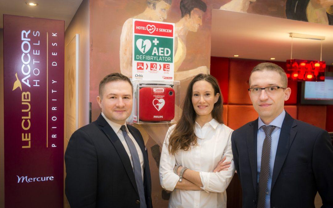 AED w40 hotelach Grupy Orbis